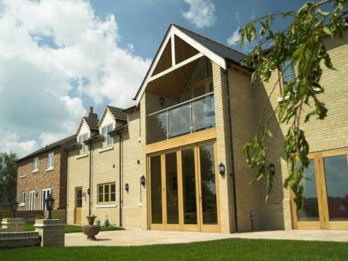 Five-bedroom-detached-house-in-haddenham-designed-by-ely-design-group9 (1)
