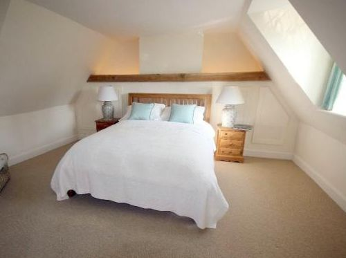 guest-bedroom-in-attic-conversion