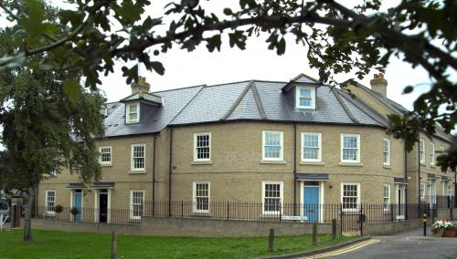 High-quality-complex-of-traditional-town-houses-designed-by-ely-design-group-1