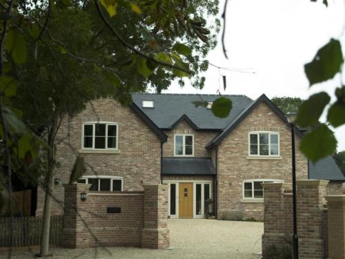 Seven-bedroom-detached-house-in-houghton-designed-by-ely-design-group-6